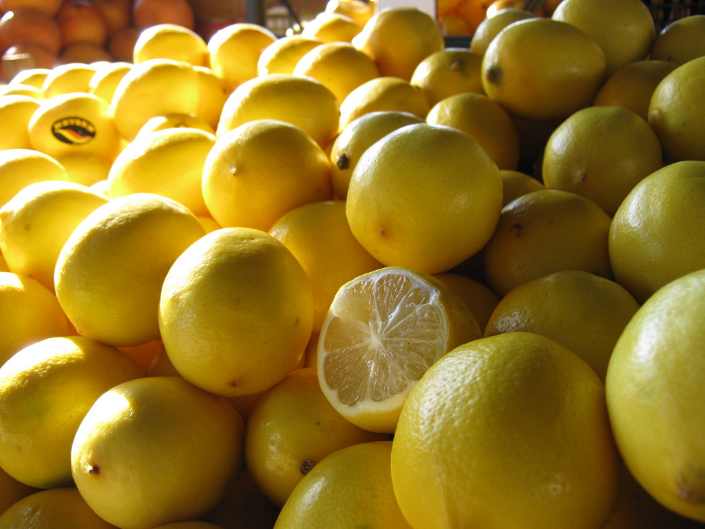 Benefits-and-harms-of-lemon