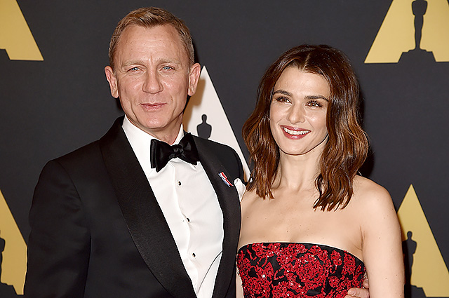HOLLYWOOD, CA - NOVEMBER 14: Actors Daniel Craig (L) and Rachel Weisz attend the Academy of Motion Picture Arts and Sciences' 7th annual Governors Awards at The Ray Dolby Ballroom at Hollywood & Highland Center on November 14, 2015 in Hollywood, California. (Photo by Kevin Winter/Getty Images)