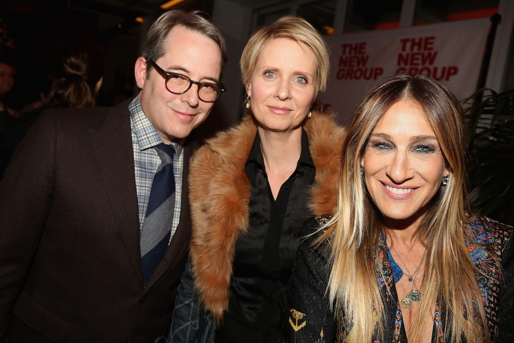 "NEW YORK, NY - FEBRUARY 17:  (EXCLUSIVE COVERAGE) (L-R) Matthew Broderick, Cynthia Nixon and Sarah Jessica Parker pose at the Opening Night Party for The New Group production of ""Evening at The Talk House"" at Green Fig Urban Eatery at Yotel on February 16, 2017 in New York City.  (Photo by Bruce Glikas/Bruce Glikas/FilmMagic)"
